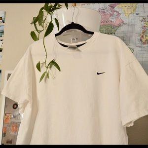 Vintage Nike gray tag essential white T-shirt
